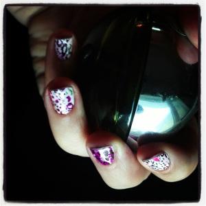 Kiss Nail Dress on short nails